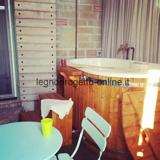 Vasca da bagno in legno Ofuro