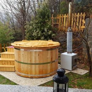 Spa tinozza riscaldabile in legno larice
