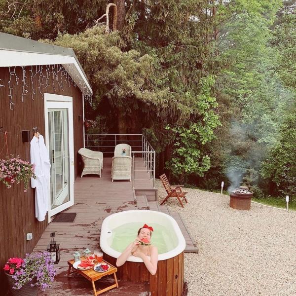 Vasca idromassaggio da esterno in legno n