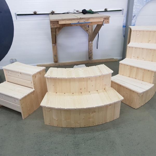 Scala per la vasca tinozza in legno riscaldabile