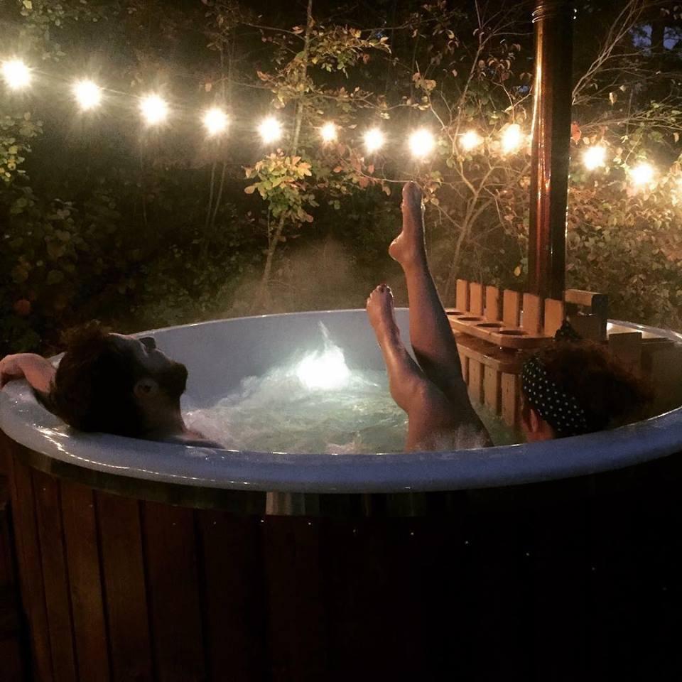 Beneficio di Spa Tinozza calda per l'organismo è stesso che prevede la Sauna Finlandese